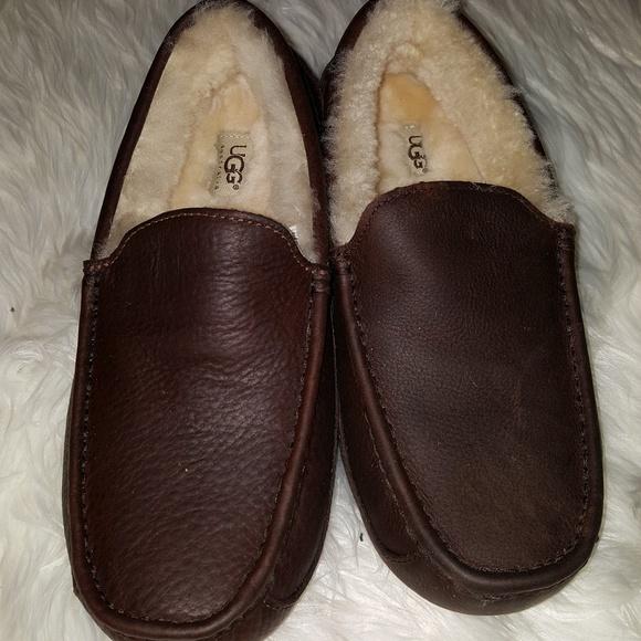 fdc3c02eec9 Men's uggs ascot slippers new no box